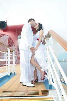 Destination wedding photographer. Wedding ceremony on the