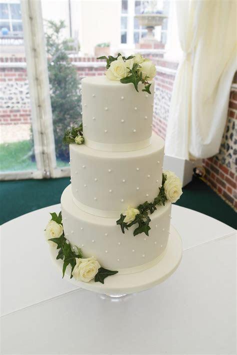 Hannah Hickman Creative Cake Maker   Wedding Cakes