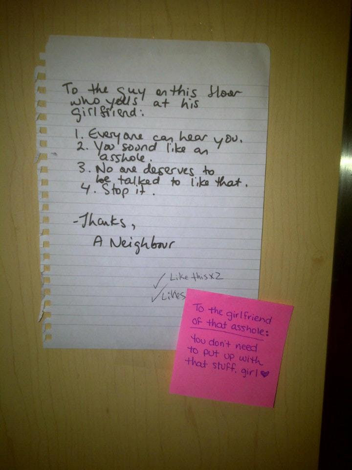 Neighbors Use Post Its To Shame Man Who Yells At Gf Everyone Can