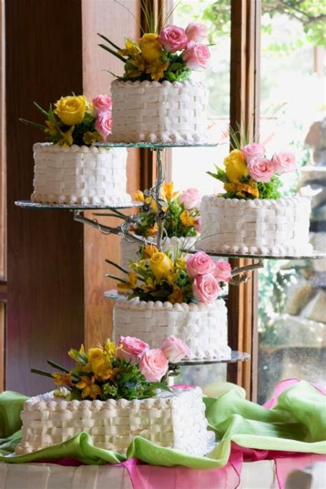 17 Best images about Basket weave cakes on Pinterest
