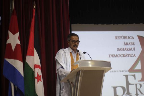 Jatri Adduh (C der.), presidente del Consejo de la República Árabe Saharaui Democrática y miembro del Consejo Permanente del Frente Polisario, interviene en el acto por el aniversario 45 del Frente Polisario, efectuado en el teatro del Ministerio de Comunicaciones, en La Habana, Cuba, el 9 de mayo de 2018. ACN FOTO/Alejandro RODRÍGUEZ LEIVA