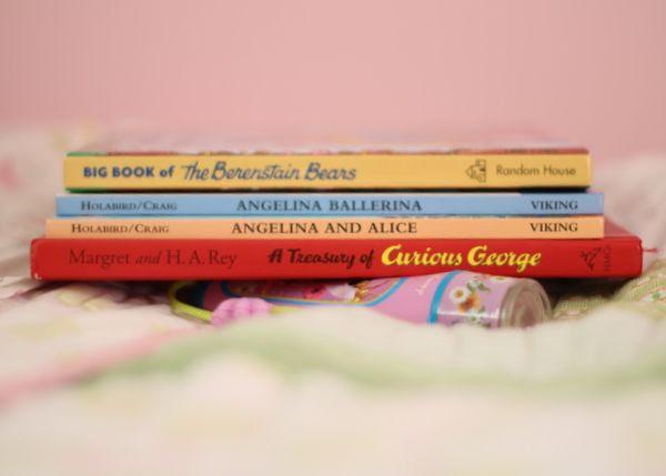 She loves to read photo Stockingandbooks005_zps551514e8.jpg