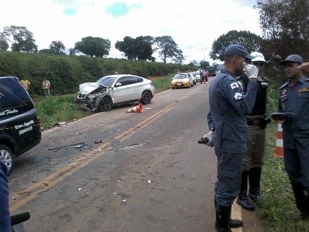 Acidente matou três pessoas entre Boa Esperança e Ilicínea nesta quarta-feira (Foto: Karine Fernanda Teodoro)