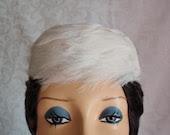 1960s Beautiful White Feather Pill Box Hat