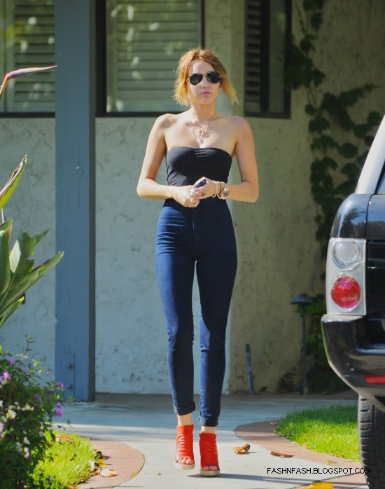 Miley-Cyrus-in-Los-Angeles-Pictures-Photoshoot-2012-9