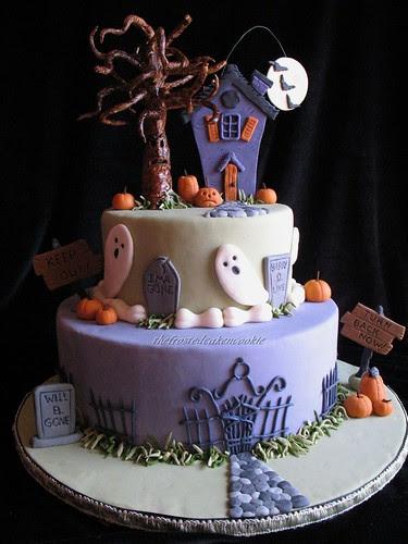 haunted halloween cake