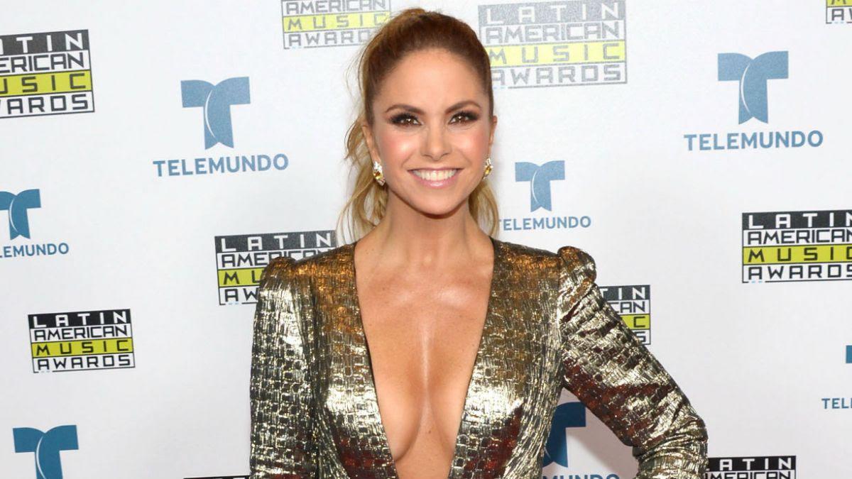 Resultado de imagen para cantante mexicana Lucero  2018