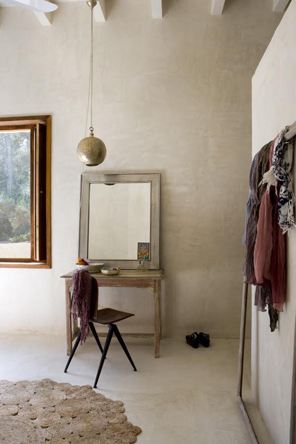 How To Introduce Wardrobe Into Bedroom Design | InteriorHolic.