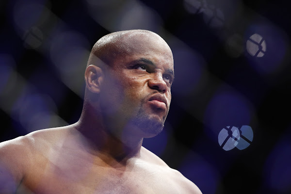 b15b0e23a78 Google News - Cormier to face Lewis at UFC 230 - Overview