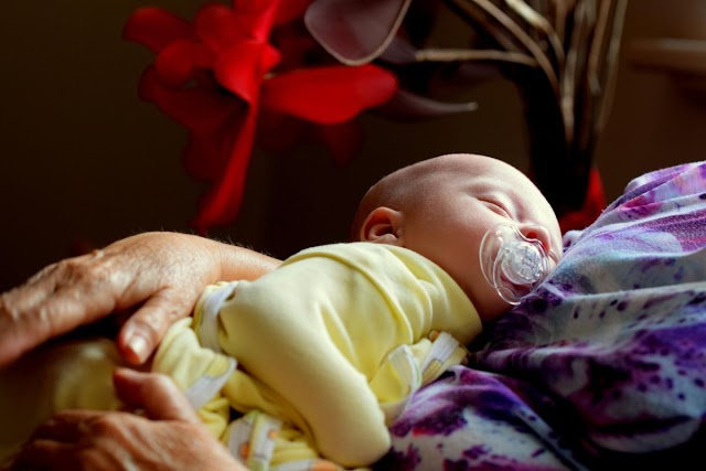 Estranguló a su bebé de 11 meses para vengarse de su esposo
