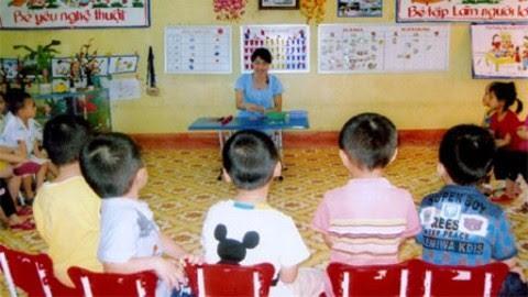 Nhiều cô giáo hồn nhiên dùng tiếng địa phương để dạy trẻ (Ảnh minh họa).