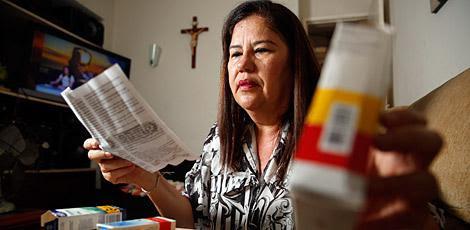 Maria Betânia precisou alternar o uso de medicamentos para amenizar as dores da chicungunha  / André Nery/JC Imagem