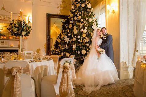 Classic Wedding Invitations   Christmas Wedding Ideas