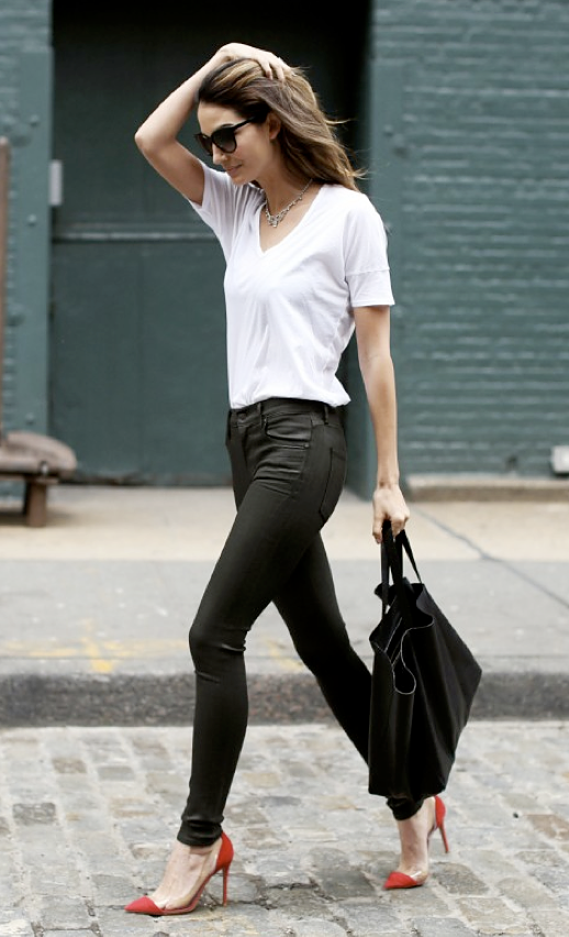 LE FASHION BLOG STREET STYLE MODEL STYLE LILY ALDRIDGE REFINERY 29 SUNGLASSES VINTAGE GEM NECKLACE WHITE TEE TSHIRT SKINNY LEATHER PANTS CELINE CABAS LEATHER TOTE CAP TOE RED TRANSPARENT GIANVITO ROSSI PUMPS HEELS GET THE LOOK new york new york city photo LEFASHIONBLOGSTREETSTYLEMODELSTYLERUBYALDRIDGEREFINERY29SUNGLASSESVINTAGEGEMNECKLACEWHITETEETSHIRTSKINNYLEATHERPANTSCELINECABASLEATHERTO.png
