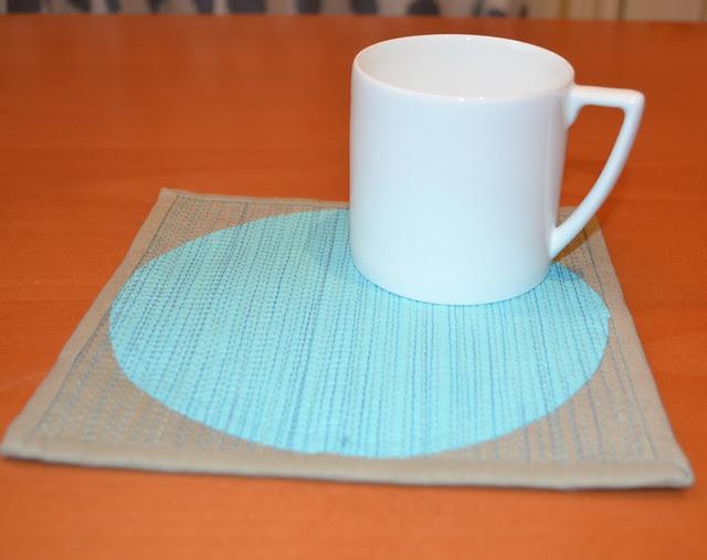 modern mug rug