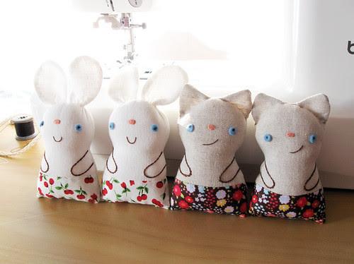 Chibi rabbits and kitty
