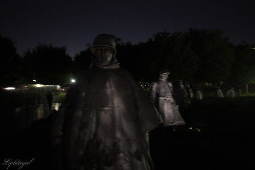 Korean war at night