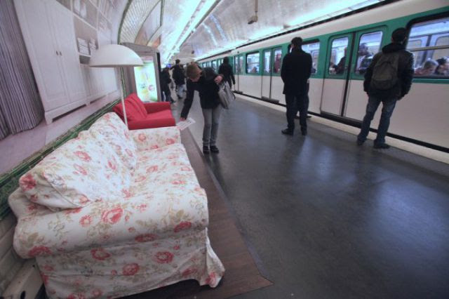 Cool Promotion Idea In Paris Subway (10 pics)