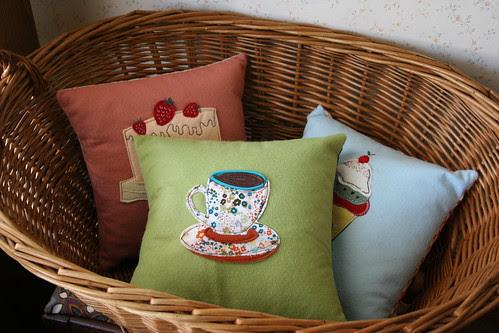 sew sweet pillow set