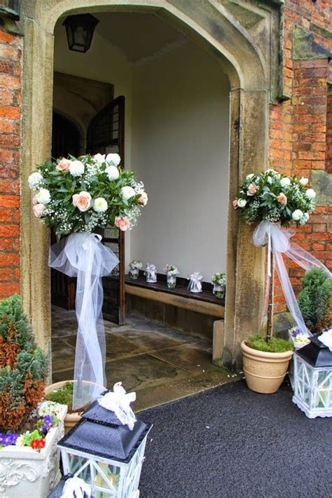 Classically Elegant Spring Wedding at St Cuthbert's Church