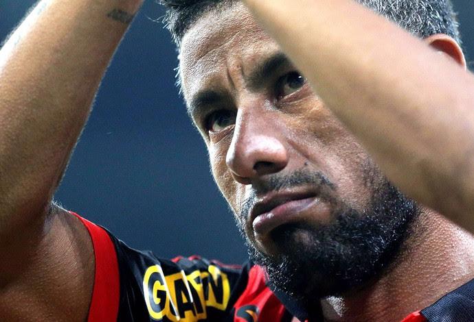 Léo Moura, Flamengo X Boavista (Foto: Márcio Alves / Agência O globo)