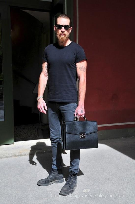 simple style works black crew neck  jeans  soletopia
