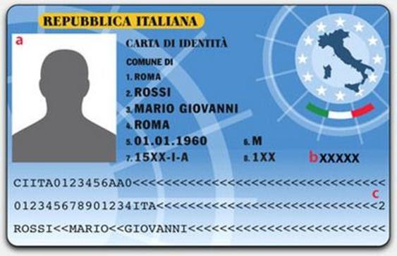 Un'immagine di come dovrebbe essere la carta d'identità elettronica (credits: Ansa)