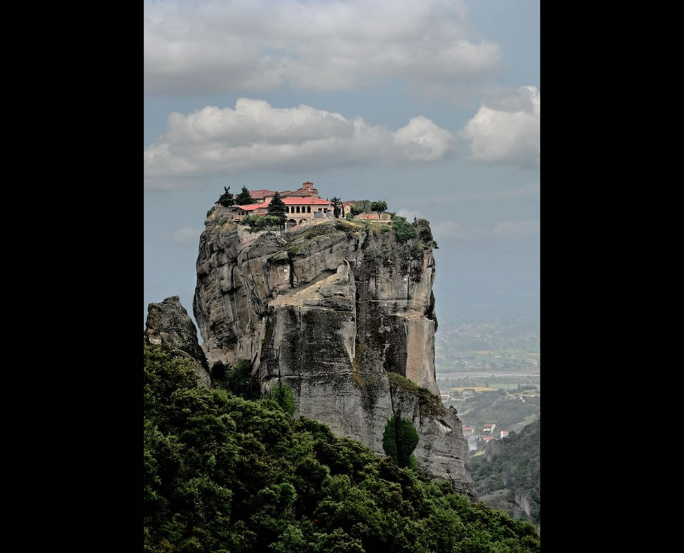 METEORA MONASTERY (GREECE, METEORA) Sense of Place