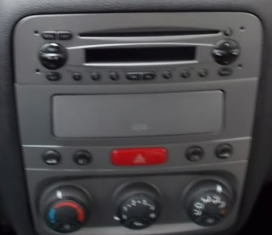 ALFA ROMEO 147GT Car radio TV USB SD GPS tactile bluetooth Ipod TNT  Autoradiogpsdiscount