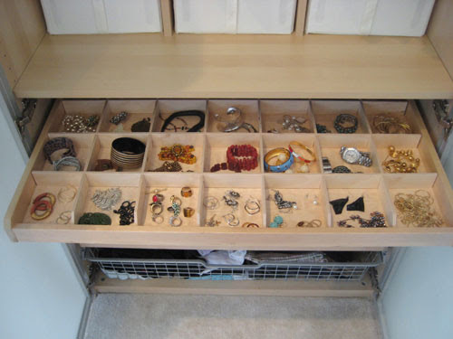 Organize Your Jewelry And Store It In Style With A Ceramic Egg ...