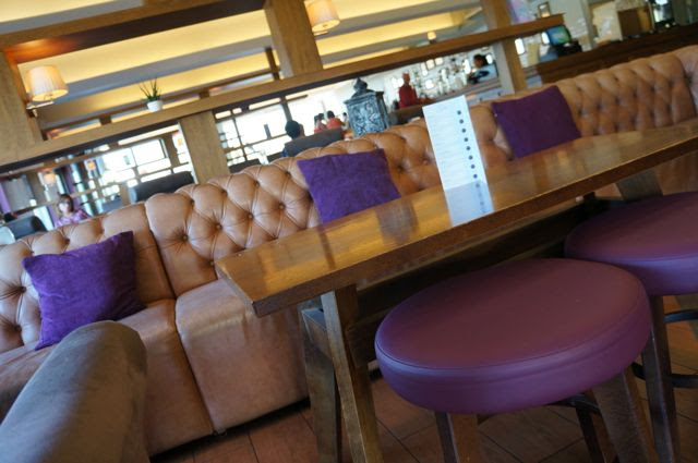 Afternoon Tea At Yspa - Romance For Two