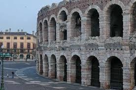 L'ARENA il famosissimo anfiteatro di epoca romana simbolo della città scaligera