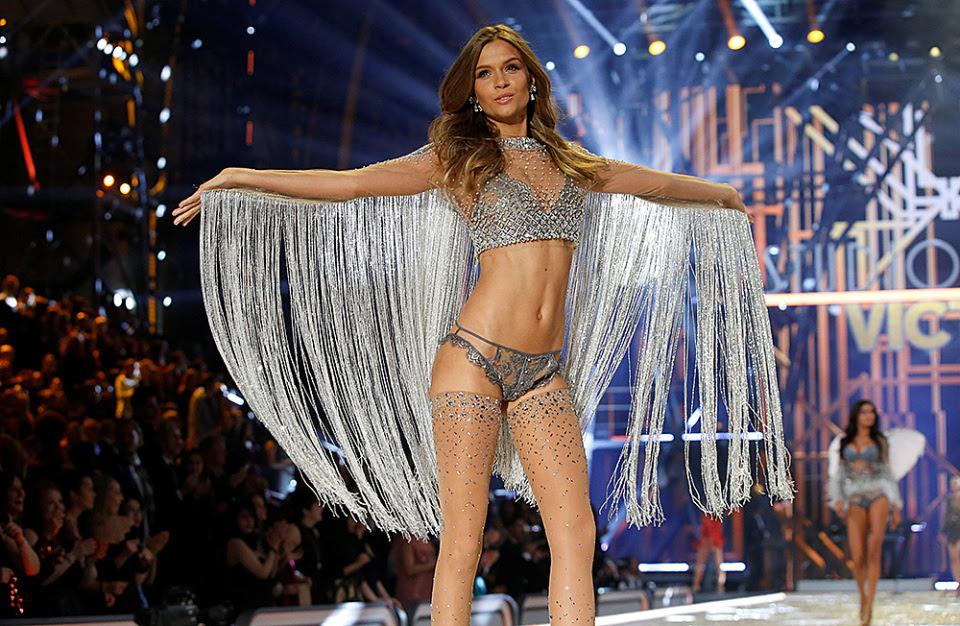 Самое горячее фэшн-шоу от Victoria's Secret.