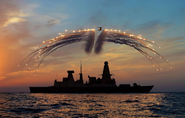 fuegos artificiales creados por la marina