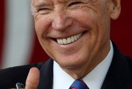 BIDENLH05. CAMBRIDGE (ESTADOS UNIDOS), 25/04/2019.- El exvicepresidente de Estados Unidos Joe Biden en una foto de archivo tomada el 24 de mayo de 2017 durante un acto en la Universidad de Harvard en Cambridge, Massachusetts (EEUU). Biden anunció este jueves que se presentará a las elecciones primarias del Partido Demócrata para aspirar a la candidatura presidencial de 2020. EFE/ Lisa Hornak