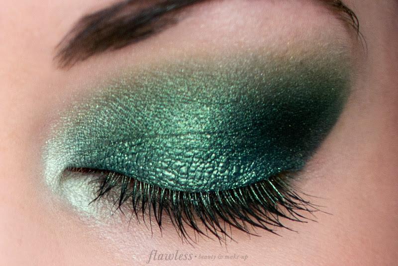 NYX Prismatic Eyeshadow Mermaid