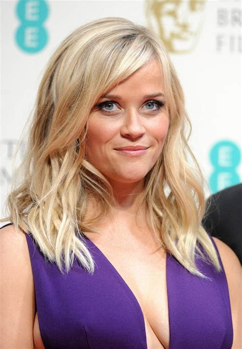 carpets candids reese witherspoon  dressing