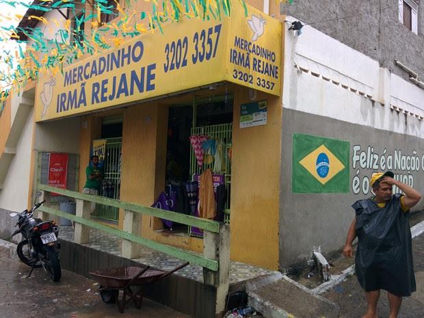 Chuvas causaram novo deslizamento de terra no bairro de Mãe Luiza, em Natal (Foto: Rafael Barbosa/G1)