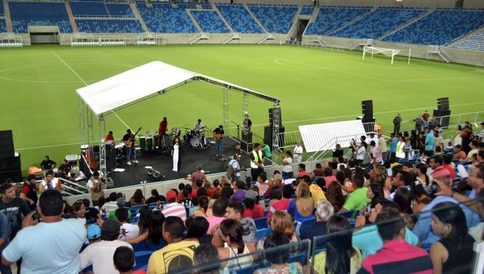 Arena das Dunas realiza festa para funcionários e reúne oito mil pessoas (Foto: Jocaff Souza)