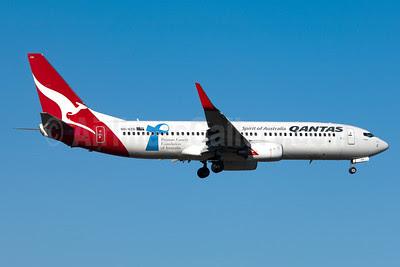 QANTAS Airways Boeing 737-838 WL VH-VZO (msn 34191) (Cancer Foundation of Australia) AKL (Colin Hunter). Image: 908745.