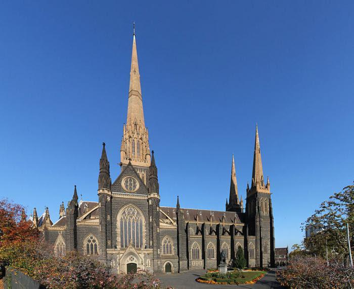 Gotyckie Zamki W Europie Gotycka Architektura