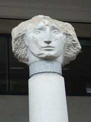 statue head by St Paul's