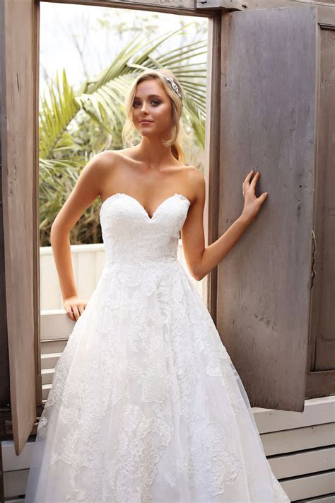 Luv Bridal   Designer Wedding Dresses at the best prices