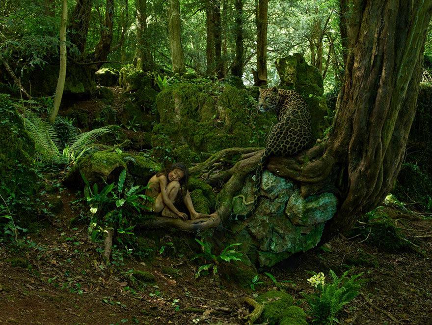 feral-children-wild-animals-photos-fullerton-batten-17