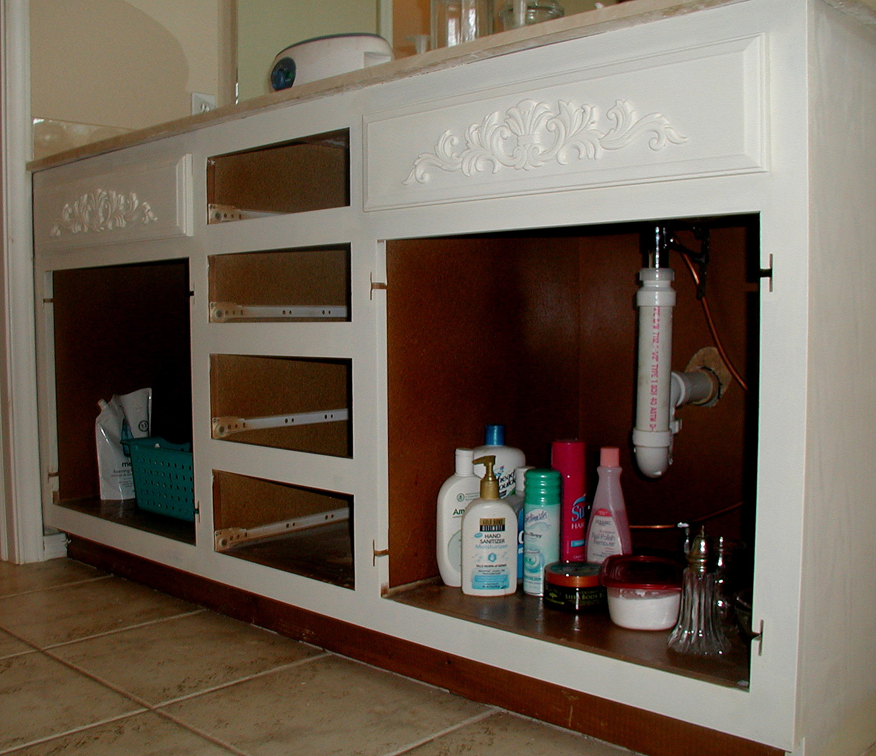 Small Bathroom Cabinets With Drawers