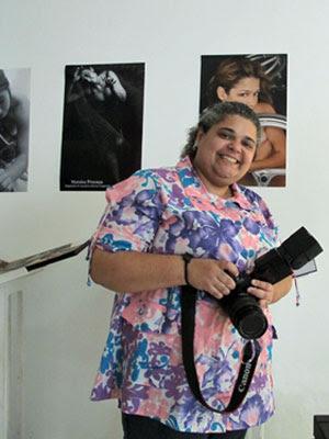 Kica de Castro em seu estúdio (Foto: Giovana Sanchez/G1)