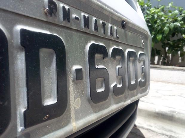 Proprietários de veículos que possuem placas com finais 3 ou 4 devem pagar taxa de financiamento já nesta semana (Foto: Renato Vasconcelos/ G1)