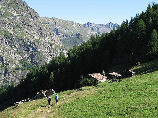 Chalet de l'Epee to Valgrisenche village-Snappa2006