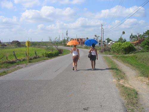 Two women, Viñales, Pinar del Rio