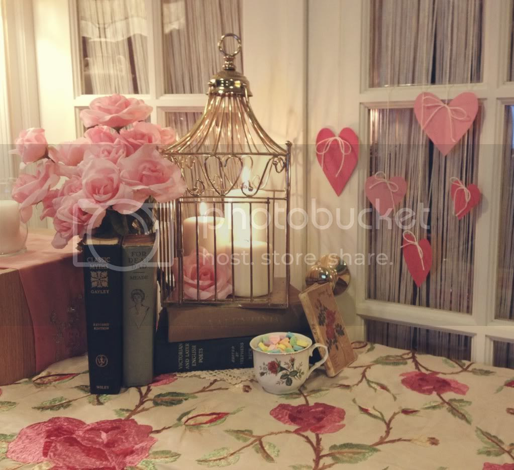 http://i6.photobucket.com/albums/y246/sweetlillauren/wolf_and_lace_valentines_day_decor_howto_paper_heart_diy_pink_red_love_vintage_romantic_books_birdcage_candles_roses_5_zps150b9a8c.jpg